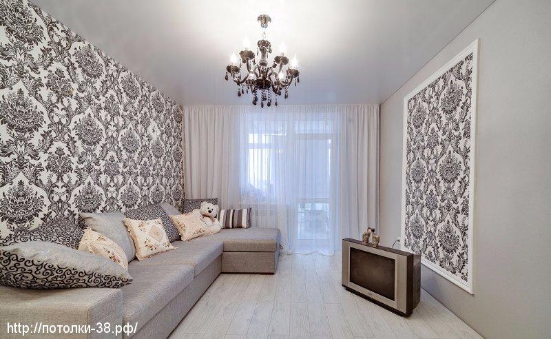Натяжной потолок в гостинную 8